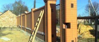 1 400x300 Строительство забора из профнастила с кирпичными столбами