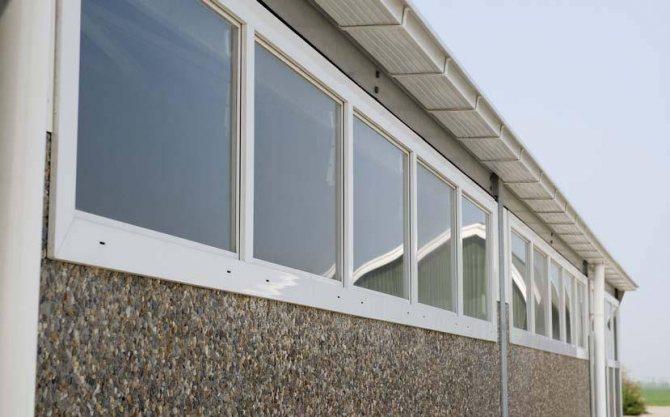 723320a85428b22f45e0518741b88274 Установка наружного блока кондиционера на застекленном балконе