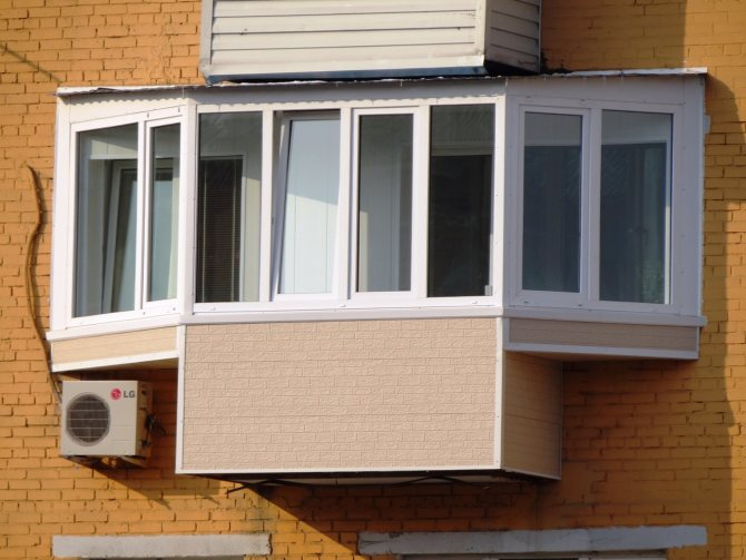 bokovye vynosy balkona Поэтапное возведение каркаса для обшивки балкона