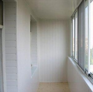 otdelka balkona vagonkoj vnutrennyaya obshivka obrabotka montazh pokraska Как обшить балкон вагонкой или блок-хаусом