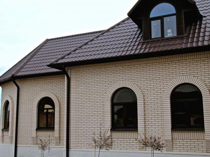otdelka fasada kirpichom 28 Чем кирпич клинкерный облицовочный отличается от обычного и как с ним работать