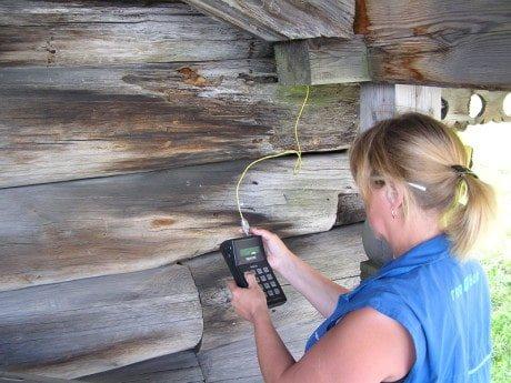 pereuvlazhnenie dereva2 Как утеплить деревянный дом снаружи своими руками?