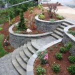 podpornye stenki terras 6 Как декоративные камни для сада помогут украсить цветник или задний двор