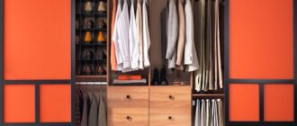 razdvizhnye dveri dlya garderobnoj komnaty Как оформить гардеробную комнату в спальне — 7 рабочих советов