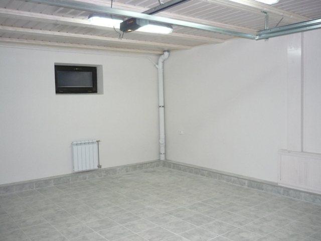 steny oshtukatureny i optimalny dlya garazhnoj sredy Необычные идеи, как обустроить гараж внутри