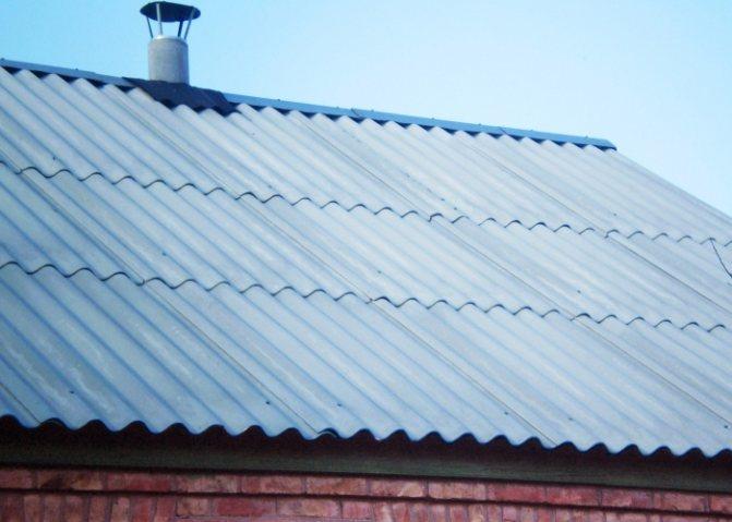 volnovoj shifer na kryshe Монтаж шифера на крышу своими руками: пошаговая инструкция